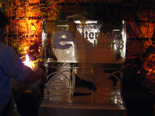 Interent Explorer 8 (IE8) Ice Sculpture