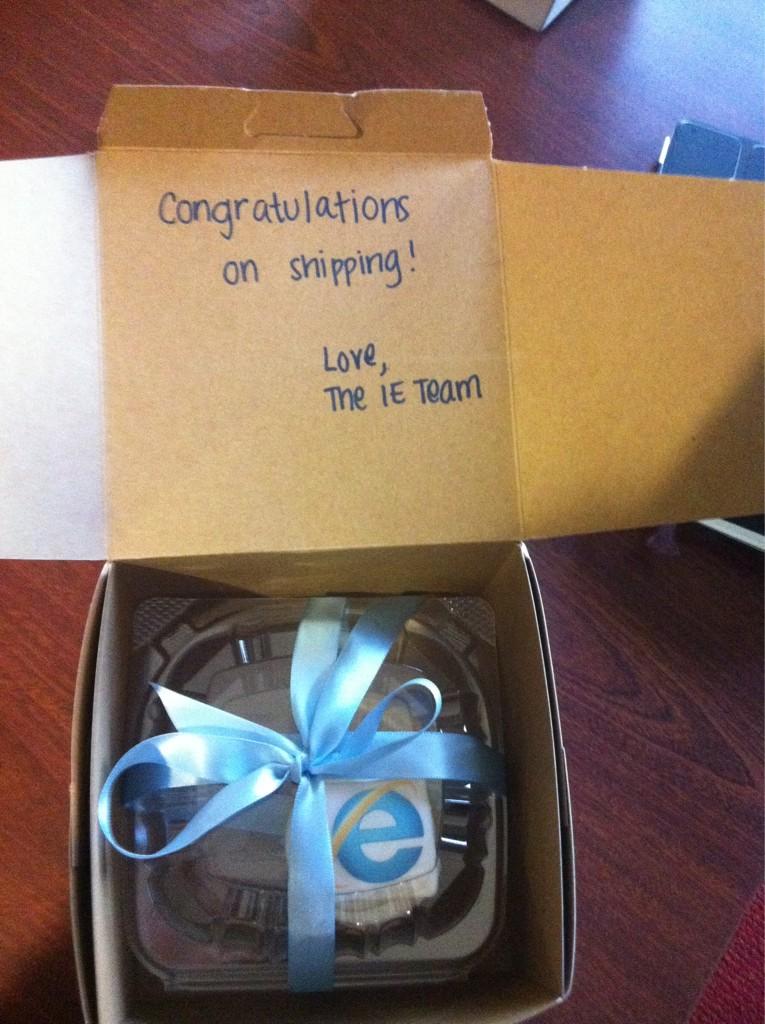 Microsoft Sends Cake To Mozilla