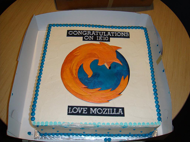 A Gesture Of Awesome: Mozilla Delivers A Cake To Microsofts Headquarters